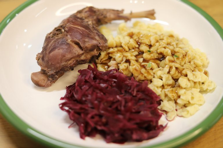 Read more about the article Saurer Hase, Hasenbraten
